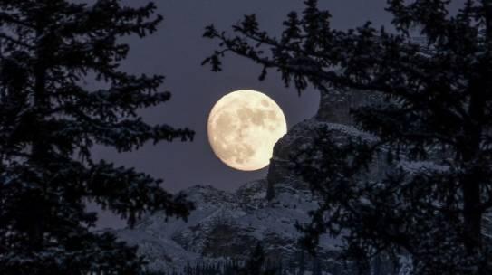 La Cina progetta la Luna artificiale